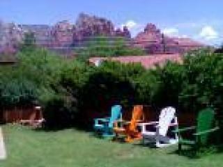 Sedona backyard with chairs and views