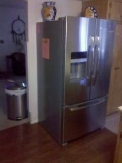 master House Kitchen with big Water and Uce refrigerator