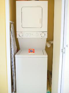 Washer/dryer closet in unit