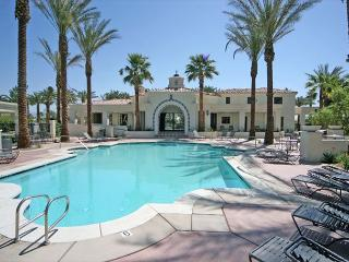 Beautiful 2 bedroom home at a great price!, La Quinta