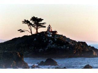 Lighthouse View Vacation Home - Great Ocean Views, Crescent City