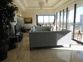 ***LAS VEGAS PENTHOUSE WITH BREATHTAKING VIEWS***, Las Vegas