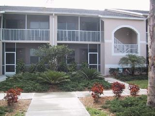 Condo on Private Golf Course - Close to Siesta Key, holiday rental in Sarasota