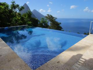 The Villa Alegria - Picture-Perfect View of Pitons, Soufrière