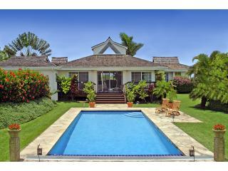 Luxurious & Private Maui Home with Swimming Pool, Haiku