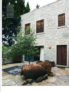 Maison Francaise Magazine - farmhouse/courthouse