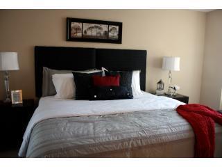 Master Bedroom (King-Size Bed)