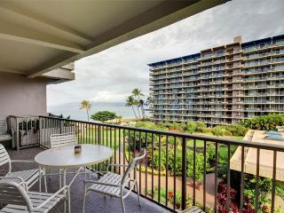 House with 1 BR-2 BA in Lahaina (Whaler #470 (1/2 Ocean View))