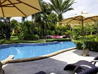 Luxury Private Pool Villa - sleeps up to 10