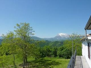 Castelfiorito Apartment -Spectacular Mountain View, Ascoli Piceno