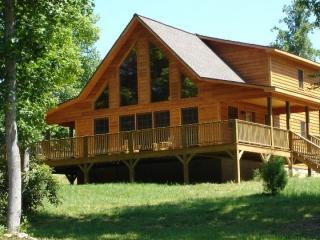 Romantic Mountain Cabin with Pond & Gazebo - WiFi, Murphy