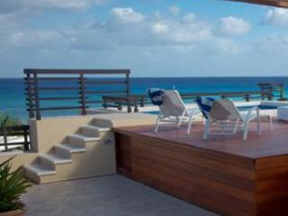Aldea Thai Beachfront, 2 Bdrm Penthouse in Front!, Playa del Carmen