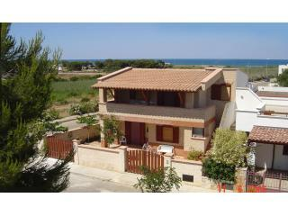 Yellow Beach House (JUNE 50% OFF), Carovigno