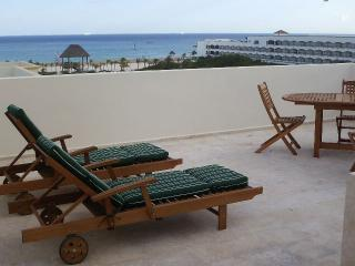The Resident Suites at The Royal Oasis, Playa del Carmen