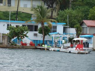 Casa Ensenada Waterfront Guesthouse, Culebra