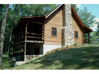 Mapleridge, delux log cabin sleeps 10