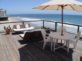 Spacious Deck directly over the beach