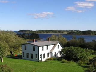 2nd Paradise Retreat, Lunenburg