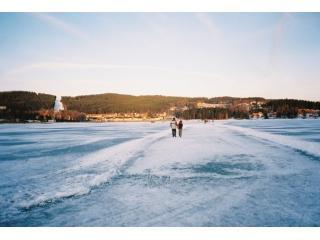 Ice-skating Lipno