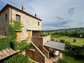 Tigli #2, apt Montepulciano area for 5 persons with A/C, Wi-Fi and swimming pool
