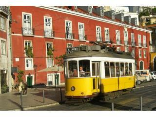 Alfama Flat - Free Airport Transfer, Internet, PC, Lisbon
