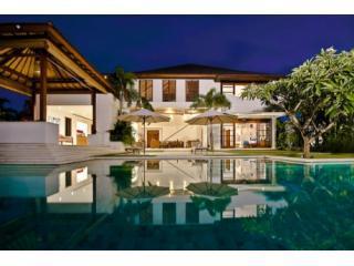 Luxurious 4 Bedroom Villa 2 Story Villa Seminyak.