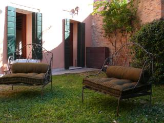 Comfortable Apartment in Venice with Private Garden - Casa Errizo, Venecia