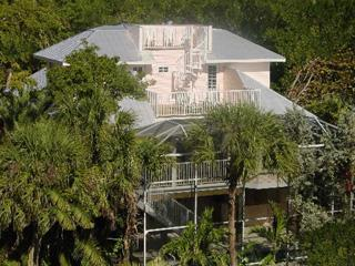 Be Captivated ~ Luxury Private Pool & Spa Home, Captiva Island