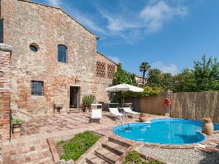 3 bedroom Villa in San Giovanni d'Asso, Siena, Italy : ref 2259027