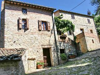Very Cozy 3 Bedroom Vacation House in Siena, Rocca d'Orcia