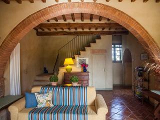5 bedroom Villa in San Giovanni d'Asso, Siena, Italy : ref 2259036