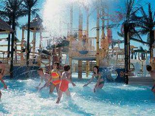 Oceanview Condo-Brighton Tower- FREE Waterpark!, Myrtle Beach