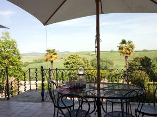 8 bedroom Villa in San Giovanni d'Asso, Siena, Italy : ref 2259039