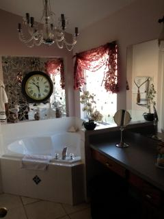 Master ensuite with jetted tub and chrystal chandelier