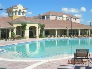 Beautiful Vista Cay Heated Pool & Clubhouse