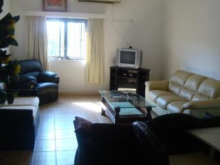 T.N. Home Lodge 2-BRM City Holiday Apt - Upstairs, Acra