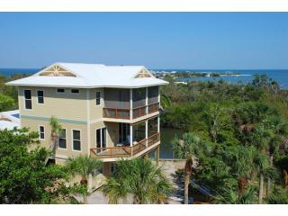 Solitude - Pool, Hot Tub, 2 slips Sleeps 12, isla de Captiva