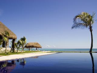 Pool looking out to the Caribbean