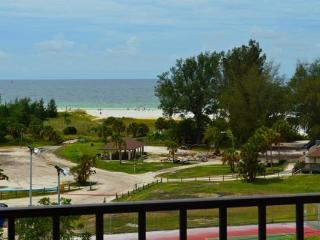 Located directly across from beautiful Siesta Key Beach