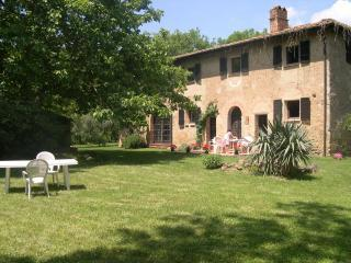 Casa San Mario and its secluded garden, Volterra