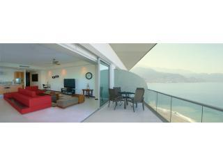 Stunning Luxury Beach front Tower 3, Peninsula., Puerto Vallarta