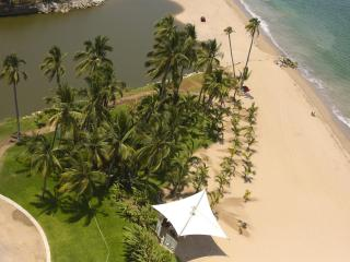 Stunning Luxury Beach front Tower 3, Peninsula.