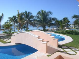 Great Value - Beachfront Complex - Mayan Magic, Puerto Aventuras