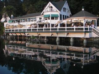 Westcott Woods - A San Juan Island Waterview Cabin