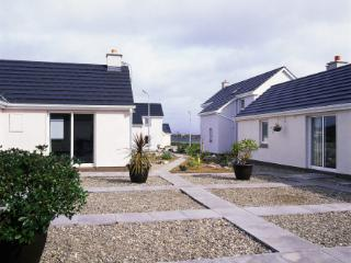 Ballyconneely Holiday Cottages - 2 Bed