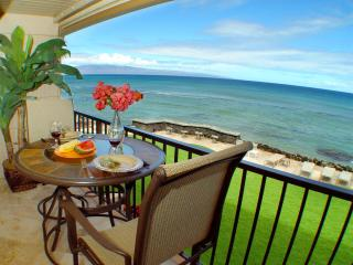 Direct Oceanfront! Free Sunsets! Summer Spec $149!, Lahaina