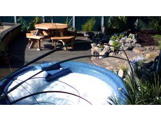 Honey Cottage - Log burner, hot tub & tree house, Blean