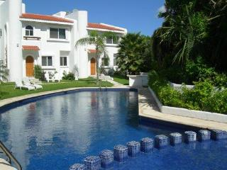 Casa Selva Caribe Luxury Playamar Villa Views WiFi, Playa del Carmen