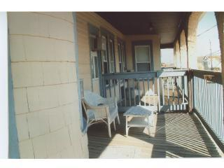 Side Porch -Buttercup Rd
