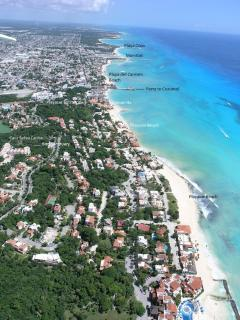 What a fabulous location; close to the beautiful Caribbean beach, town and yet still tranquil!